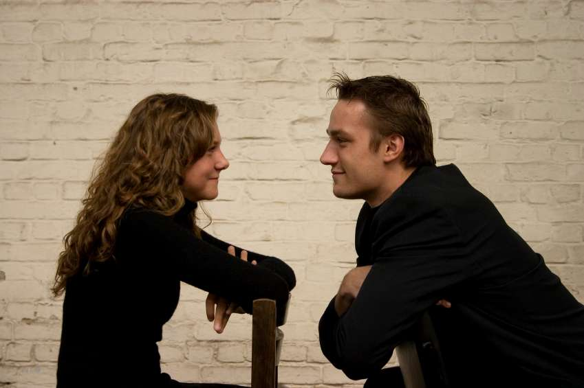 Hay hombres usan eufemismos para decir que quieren intimar con las mujeres. Foto: iStock