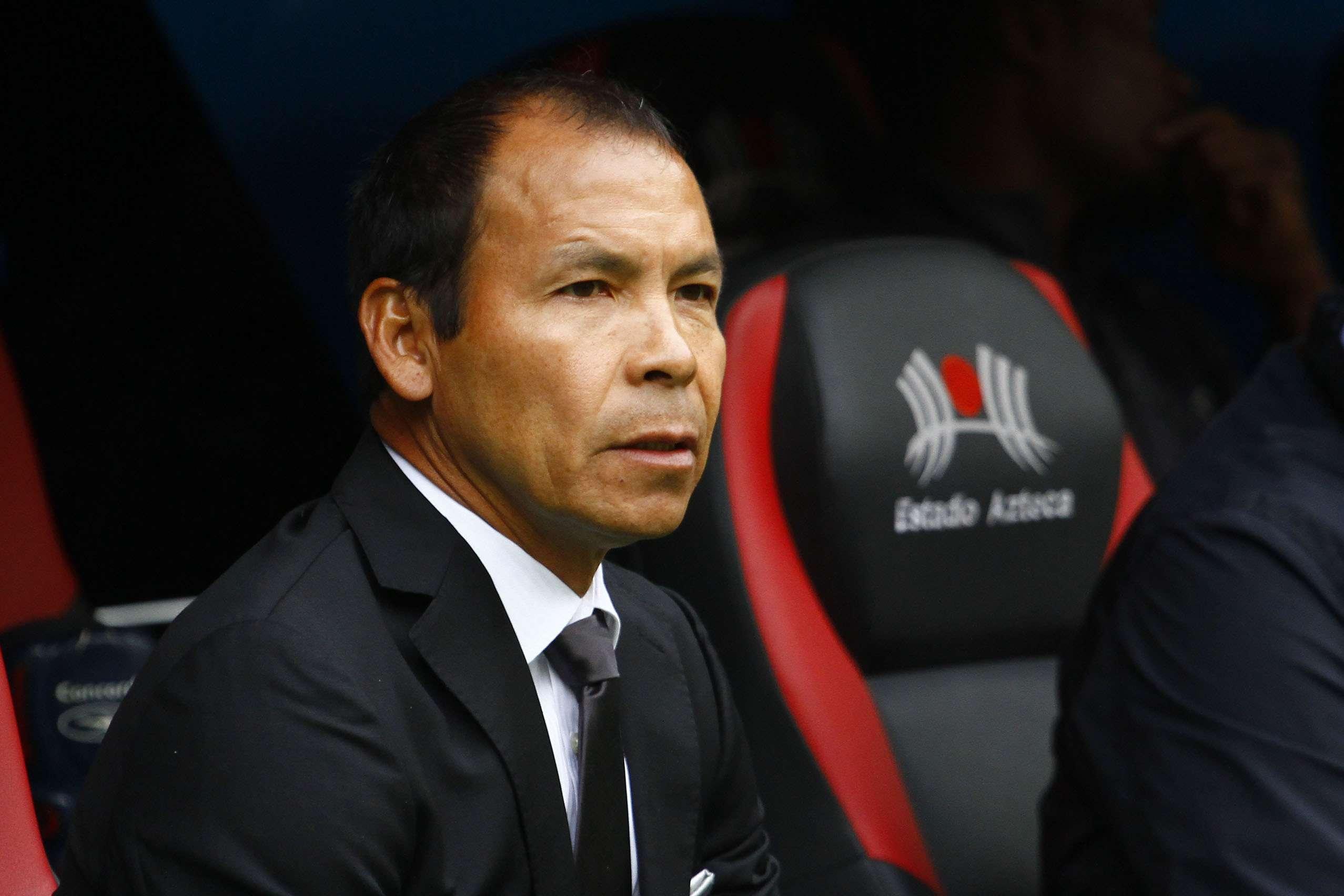 El 'Profe' Cruz, técnico del Puebla. Foto: Imago7