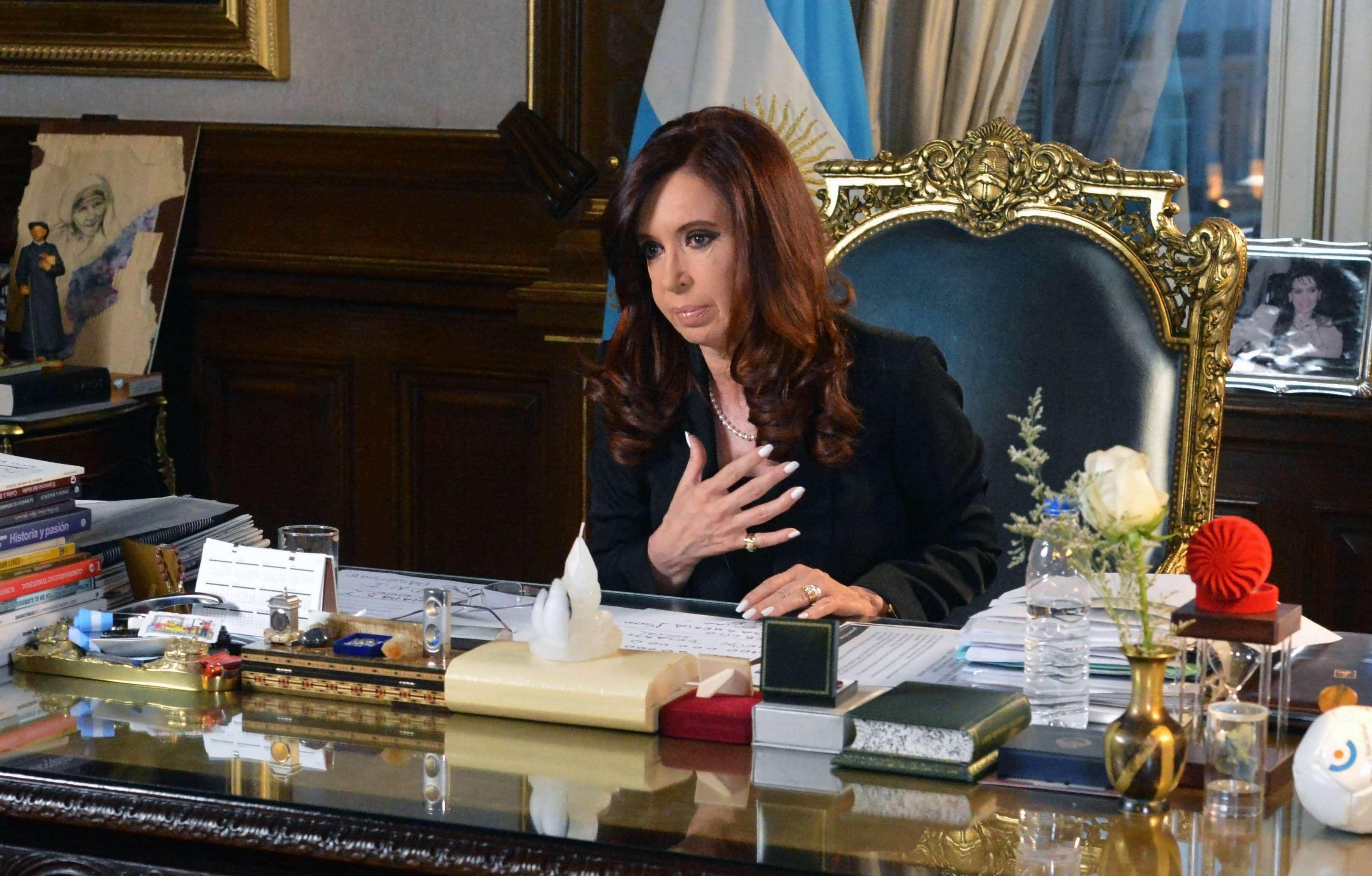La presidenta argentina, Cristina Fernández, habló este lunes por Cadena Nacional por primera vez tras la muerte del fiscal Alberto Nisman, quien la había denunciado por supuesto encubrimiento a terroristas. Foto: NA