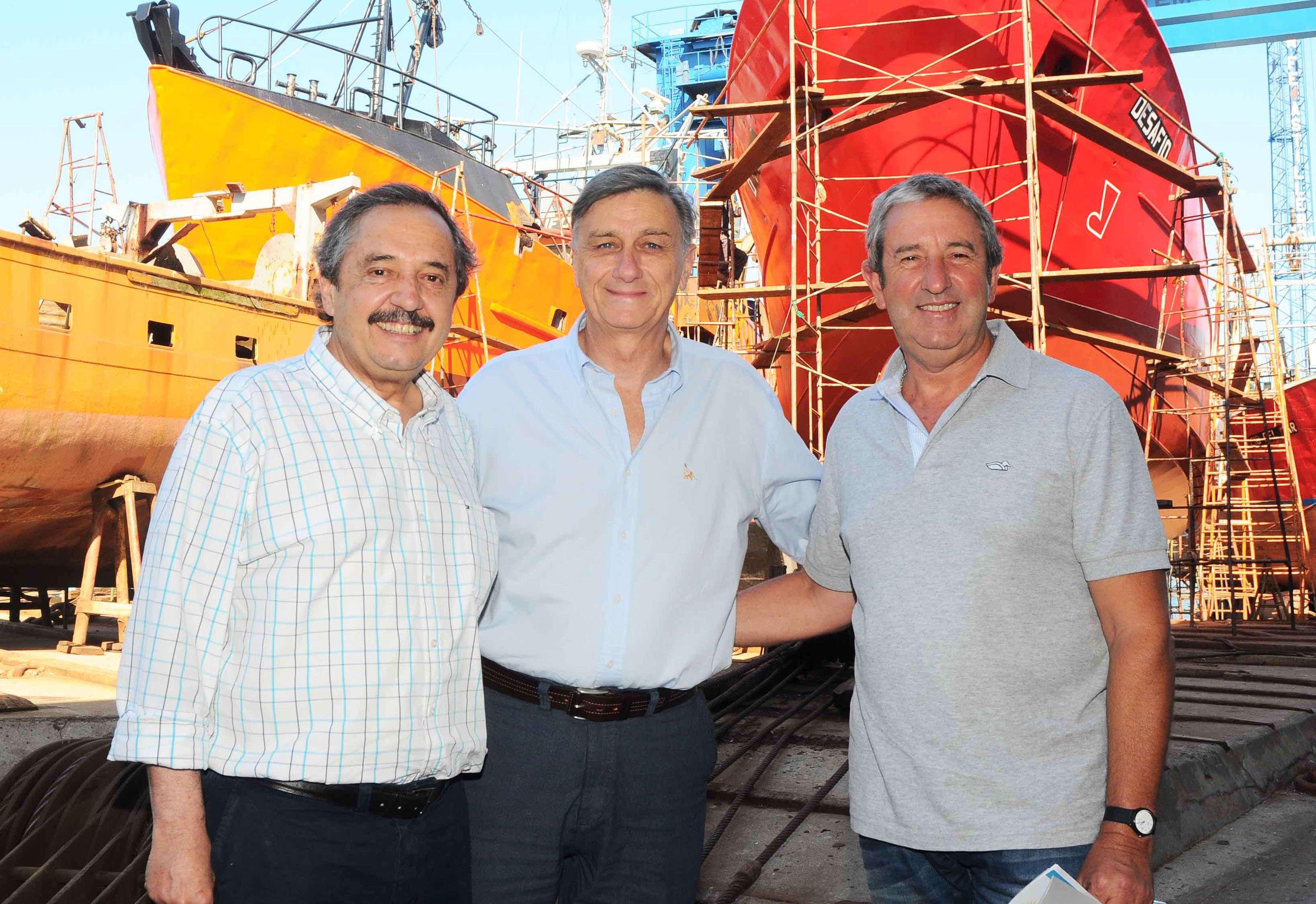El diputado Ricardo Alfonsín, junto a Hermes Binner y Julio Cobos. Foto: NA