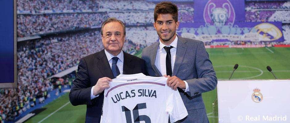 Lucas Silva, junto a Florentino Pérez, presentado como nuevo jugador del Real Madrid. Foto: Real Madrid