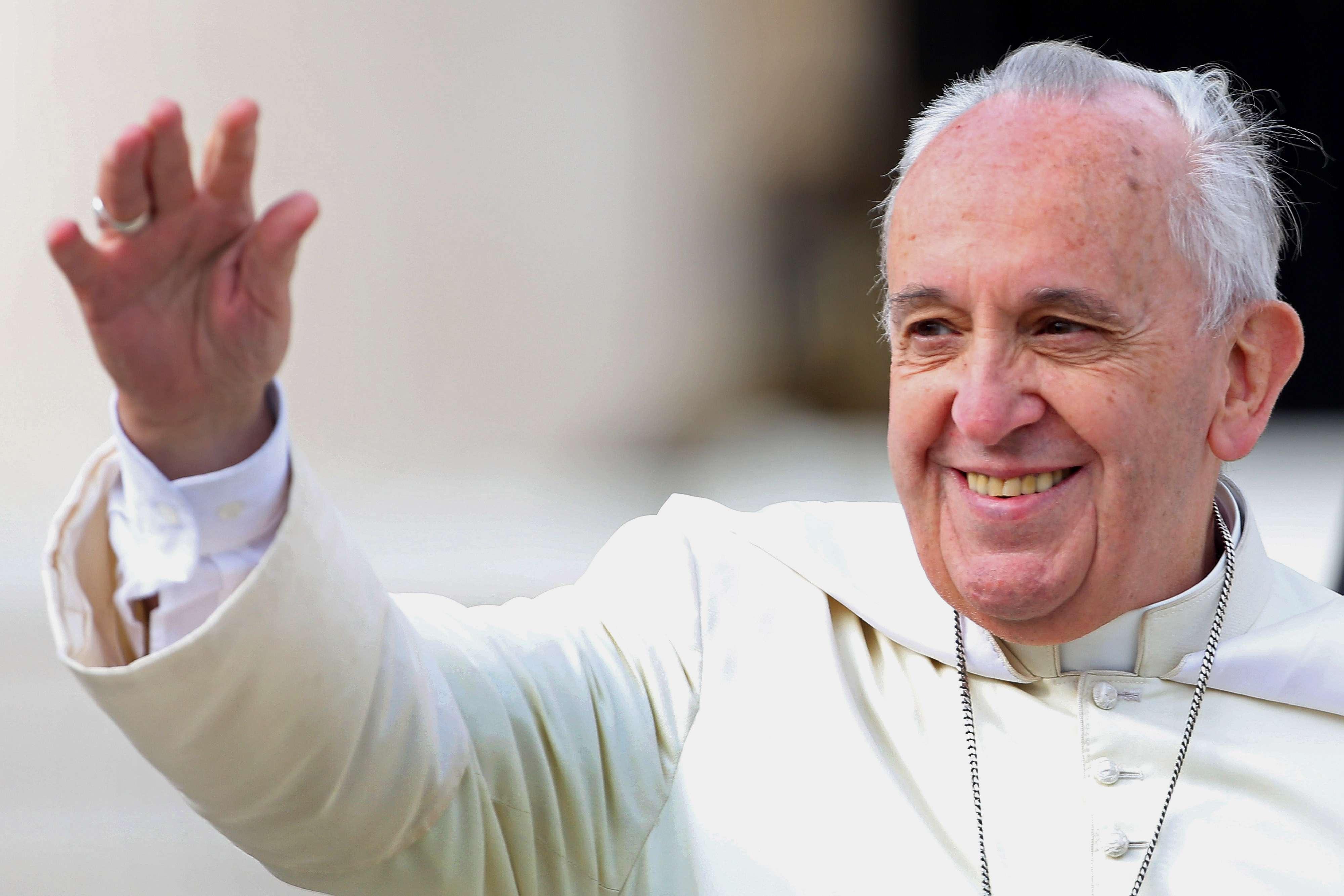 El papa Francisco recibió en la Casa de Santa Marta al español Diego Neria Lejárraga, quien hace 48 años nació como mujer. Foto: Getty Images