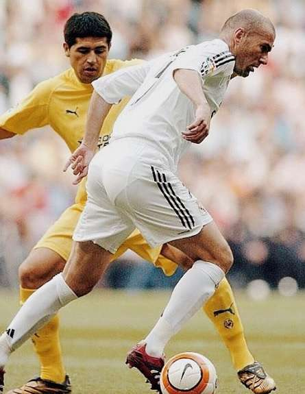 Juan Román Riquelme se despidió del fútbol y el mundo del fútbol ya lo extraña. Zidane lo homenajeó en su cuenta de Instagram. Foto: Instagram @Zidane