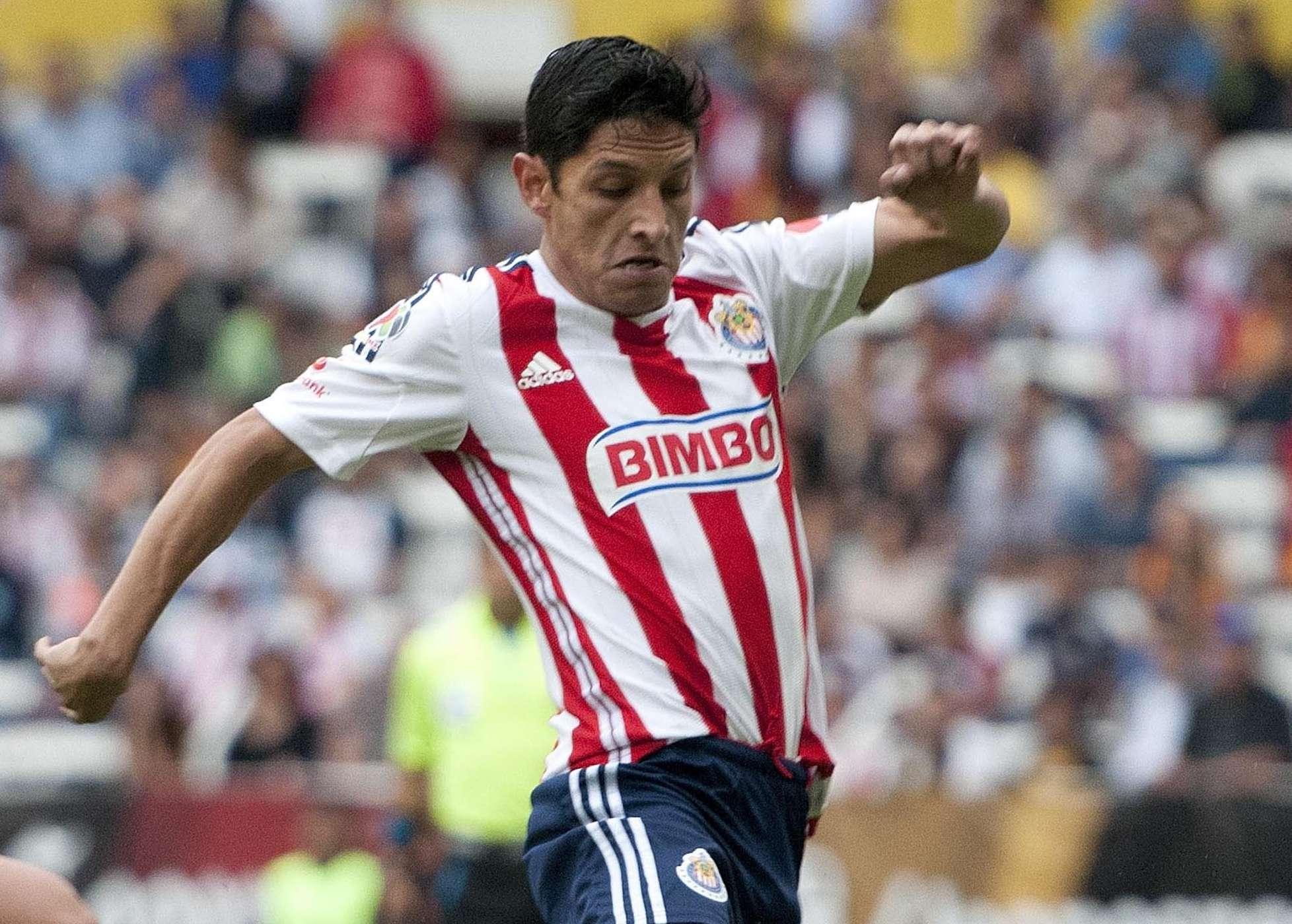 Ángel Reyna sufrió una distensión de los músculos isquiotibiales de la pierna derecha. Foto: Mexsport