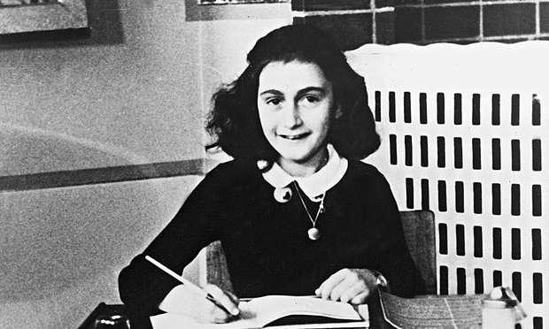 Anne Frank foi morta durante o Holocausto, que completa 70 anos, mas deixou um diário rico de pensamentos e detalhes sobre a época do nazismo do ponto de vista de uma jovem judia Foto: The Guardian/Reprodução