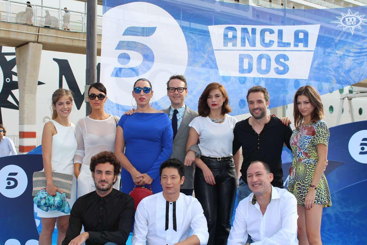 Elenco de la serie 'Anclados' Foto: Telecinco