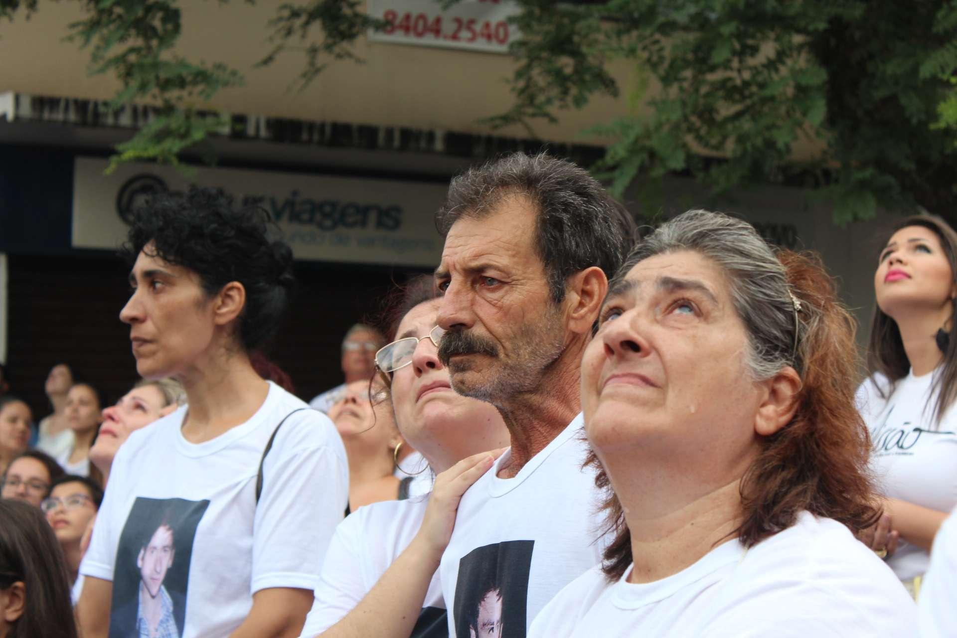 Evento foi organizado pela Associação dos Familiares de Vítimas e Sobreviventes da Tragédia de Santa Maria (AVTSM) Foto: Wagner Machado/Terra