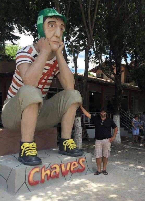 Faisal Homaidan construiu estátua gigante de Chaves em MG Foto: Facebook / Reprodução