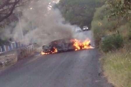 Operativos intentan desarmar en su totalidad a civiles armados que persisten en Michoacán, entre ellos el grupo conocido como Los Viagra. Foto: Quadratín