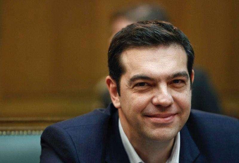 El primer ministro griego, Alexis Tsipras, durante su primera reunión de gabinete en Atenas, 28 enero, 2015. Tsipras comunicó a sus ministros el miércoles que los votantes le han autorizado para emprender un cambio radical que restaure la soberanía nacional, pero se comprometió a negociar con responsabilidad con los acreedores internacionales. Foto: Alkis Konstantinidis/Reuters