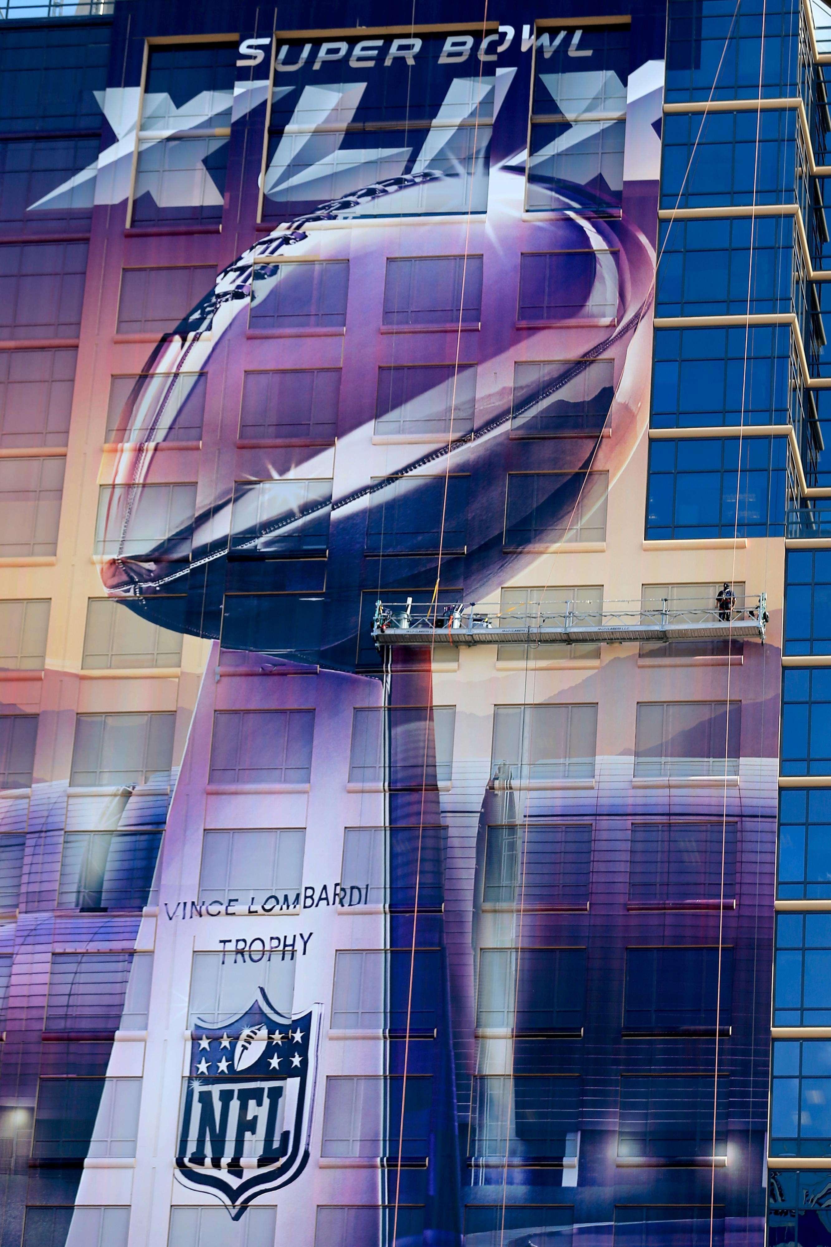 La edición número 49 del Super Bowl se encuentra a la vuelta de la esquina, y con ella una cantidad importante de cifras que se mueven alrededor de éste importante suceso. Foto: Getty Images