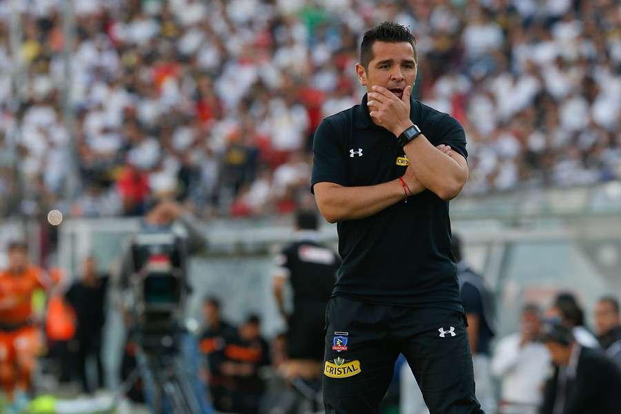 Héctor Tapia deberá echar mano a sus divisiones inferiores. Foto: Agencia UNO