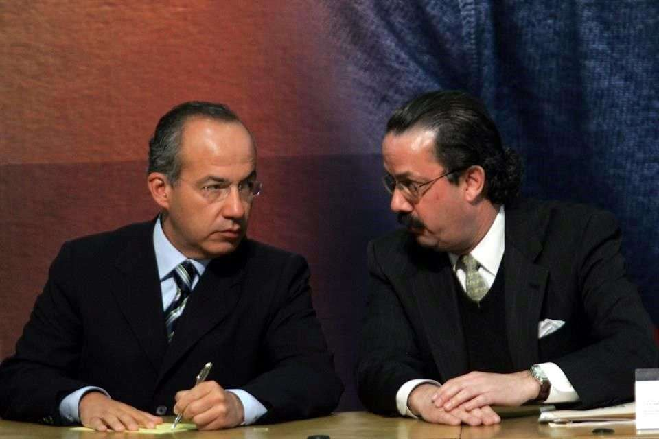 Apenas pasaron unas horas para que el ex Presidente Felipe Calderón diera la réplica al que fuera su amigo y miembro de su Gabinete, Juan Molinar Horcasitas. Foto: Reforma