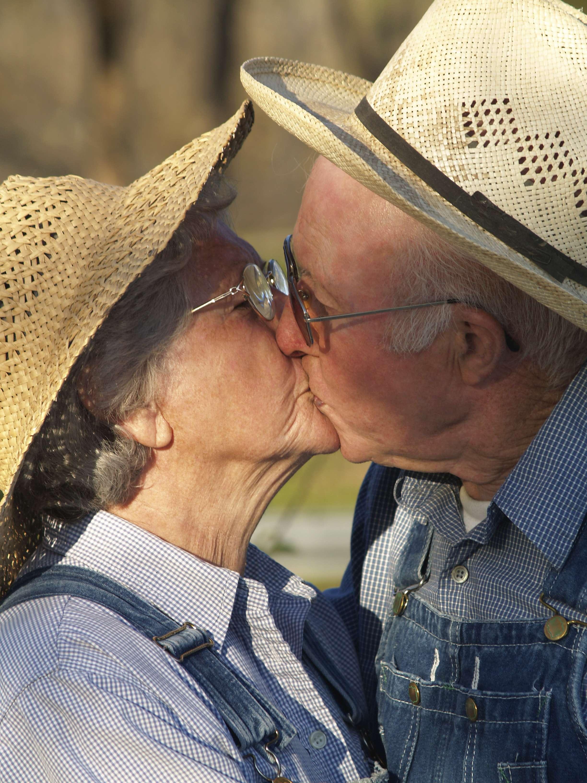 Pesquisa apontou que conflitos com parceiro(a) dificultam mais a vida sexual do que problemas causados pela idade Foto: istock