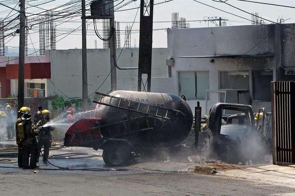 El martes 29 julio 2014, una pipa de Gas Express Nieto estalló, lo que dejó dos muertos. Foto: Archivo/Reforma