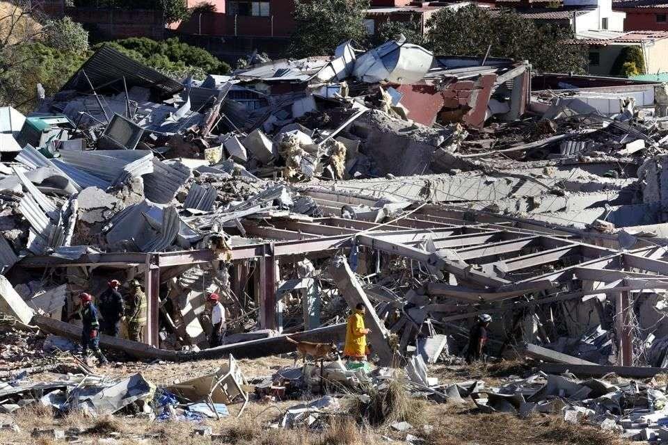 Debido a la explosión, informó Miguel Ángel Mancera, Jefe de Gobierno, entre el 30 y 40 por ciento de la estructura del nosocomio colapsó Foto: Salvador Chávez/Reforma