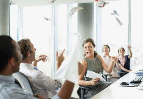 No existe una razón para que todas las reuniones deban estructurarse siempre de la misma manera, especialmente si son reuniones improvisadas. Foto: Getty Images
