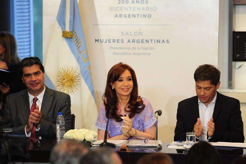 """Cristina Kirchner habló en cadena nacional para todo el país desde el Salón de las Mujeres de la Casa Rosada y admitió estar """"un poco averiada"""", tras la muerte del fiscal Alberto Nisman y sus implicancias políticas. Foto: Facebook Agencia Télam"""