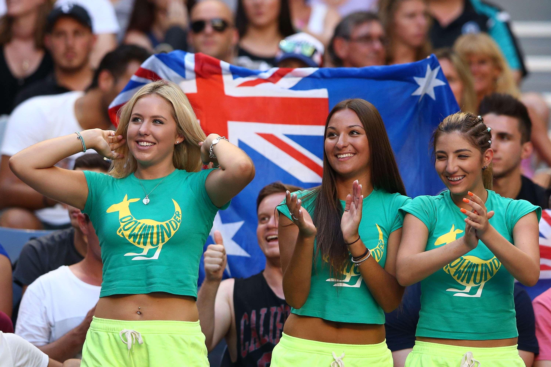 Fanáticos llenan las gradas del Melbourne Park con un color y pasión en el primer Grand Slam del año. Foto: Getty Images