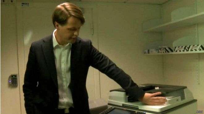 El chip puede utilizarse para hacer fotocopias o para abrir puertas Foto: BBCMundo.com