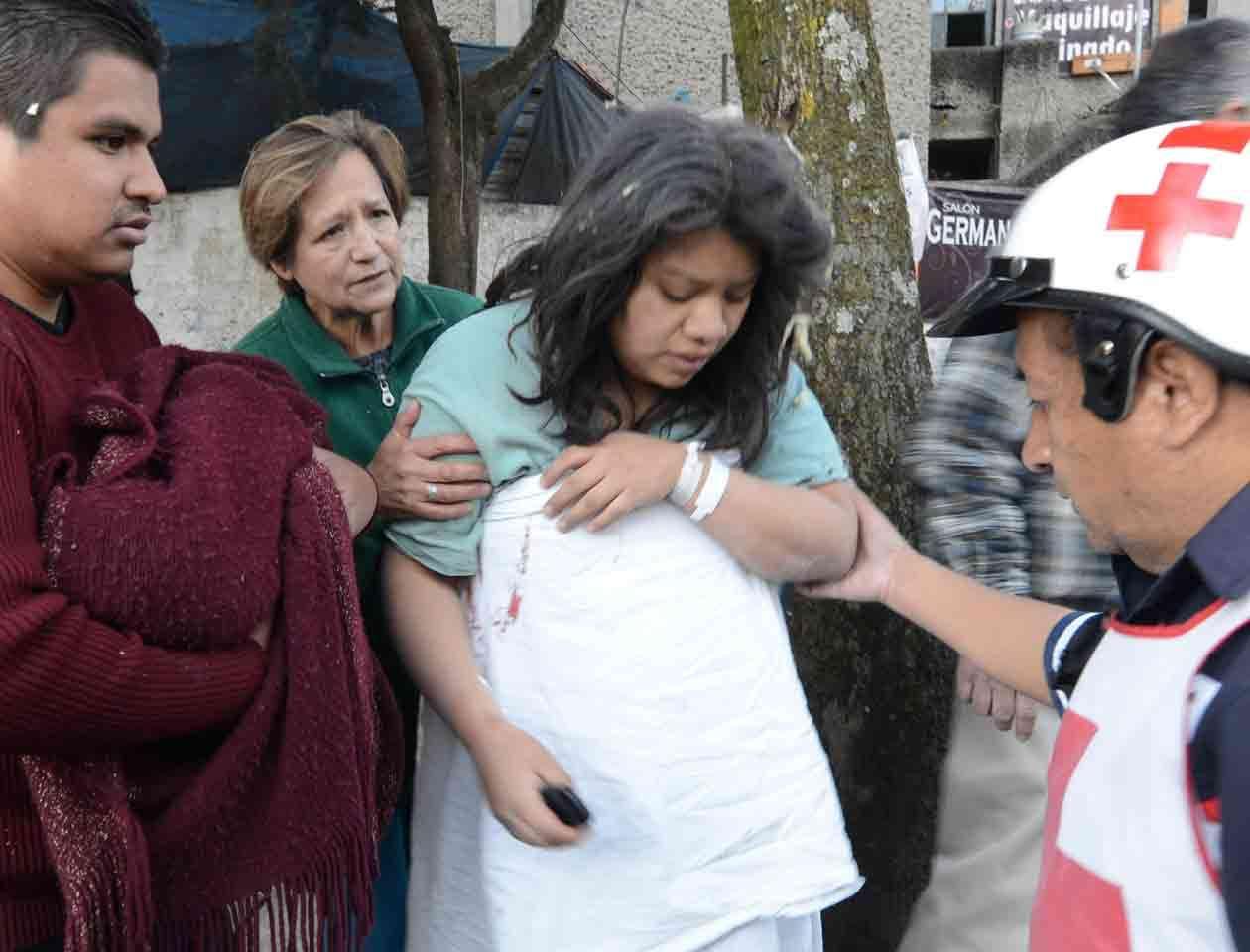 El hospital materno infantil Cuajimalpa quedó convertido en una montaña de escombros Foto: STR/EFE