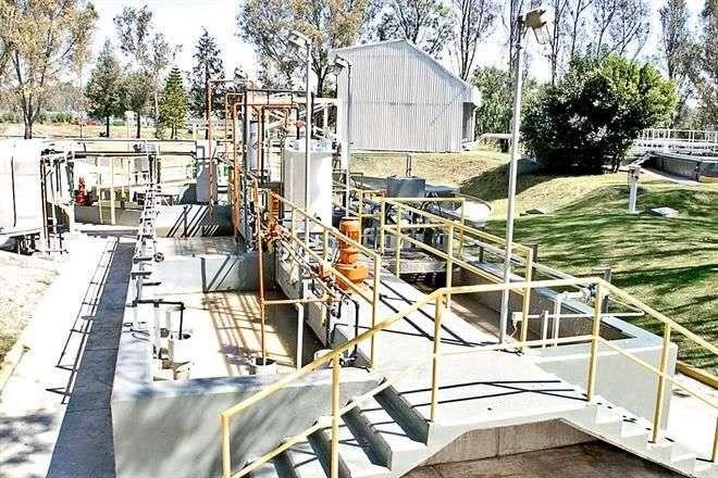 Autoridades advirtieron que para adaptar las plantas de tratamiento a lineamientos federales se requiere una inversión importante de recursos. Foto: Reforma