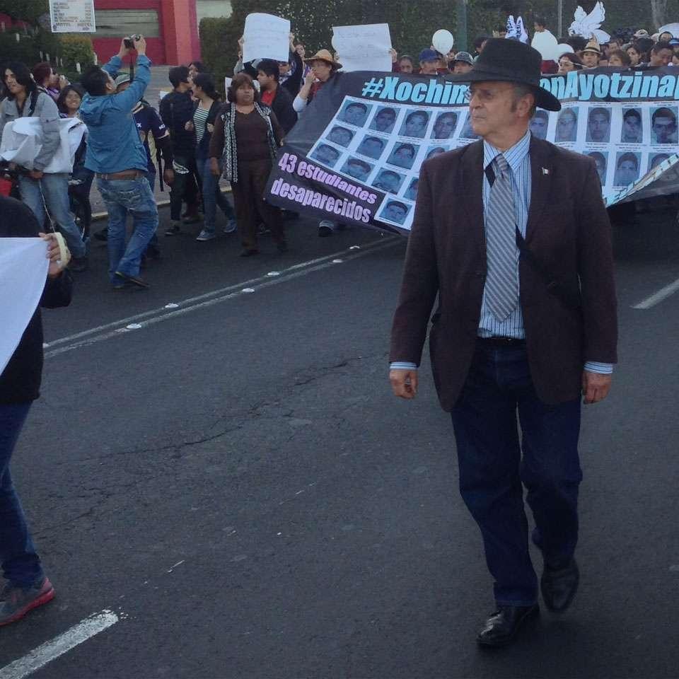A principios de enero de 2015, el Dr. Montemayor Aldrete adelantó una hipótesis de que los 43 normalistas desaparecidos el 26 de septiembre de 2014 en Ayotzinapa, pudieron haber sido incinerados en crematorios modernos del Ejército. Foto: Verónica Ortiz Narváez/Terra