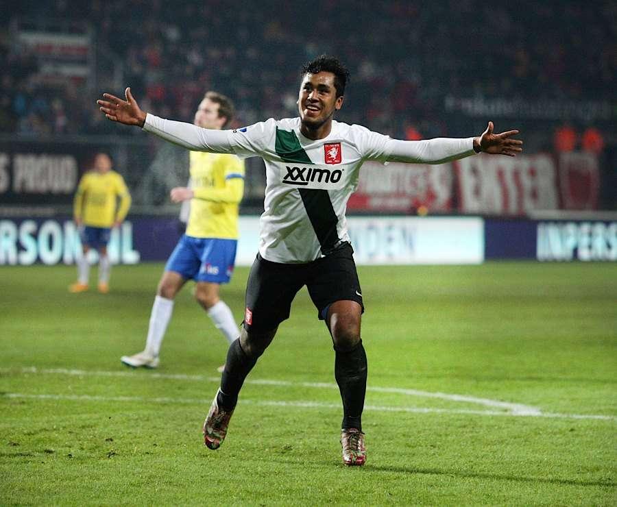 Renato Tapia pasó de la academia Esther Grande de Bentín al fútbol holandés. Foto: Facebook FC Twente