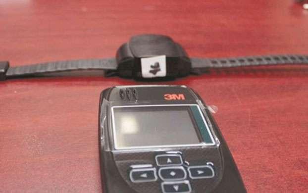 El uso del brazalete electrónico en Saltillo entró en vigor desde el pasado 28 de octubre del 2014. Foto: Diario de Juarez