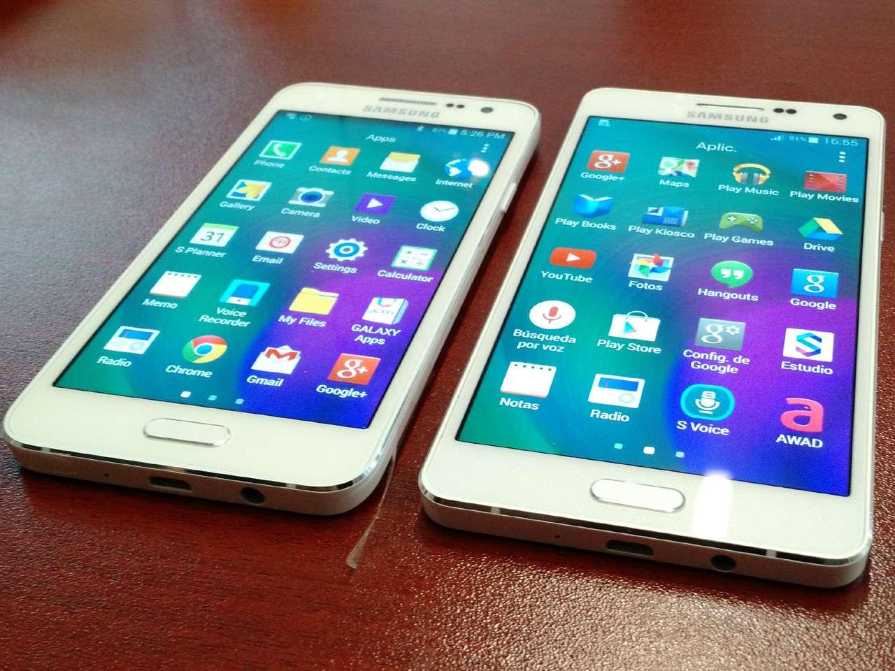 Ambos teléfonos, A3 y A5, tienen bordes metálicos y son muy delgados Foto: Juhani Espinoza/Terra