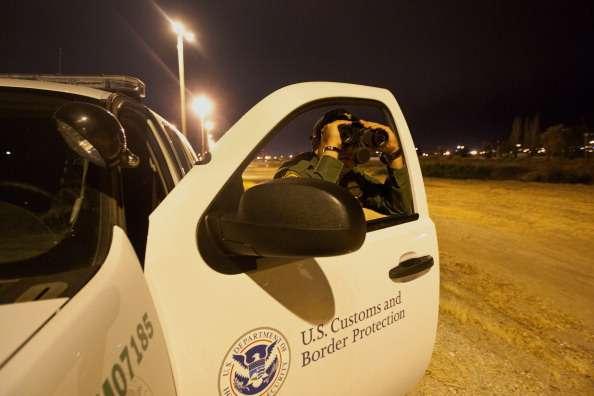 Samuel Castro comparaba indocumentados a redes de tráfico de personas y luego pedía rescate a sus familiares. Foto: Getty Images