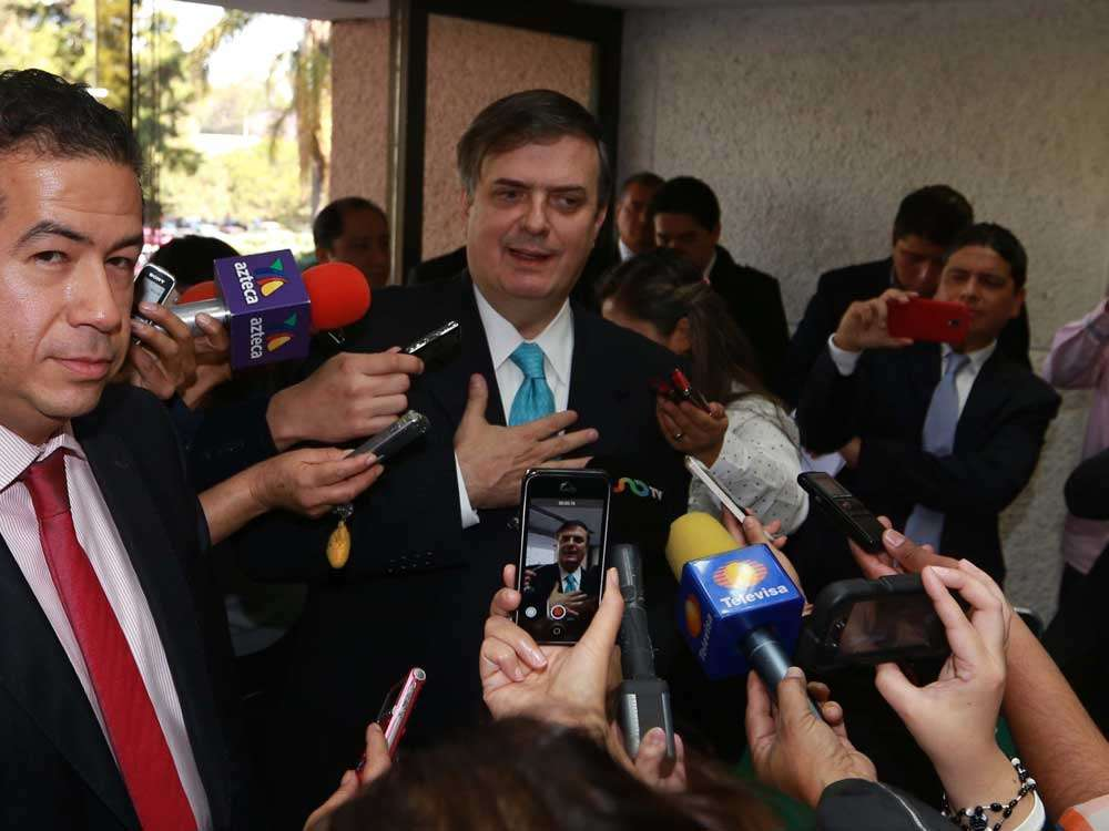 Marcelo Ebrard afirmó que ilegalidad es circular un informe elaborado por el PRI desde la Presidencia de la República. Foto: Terra