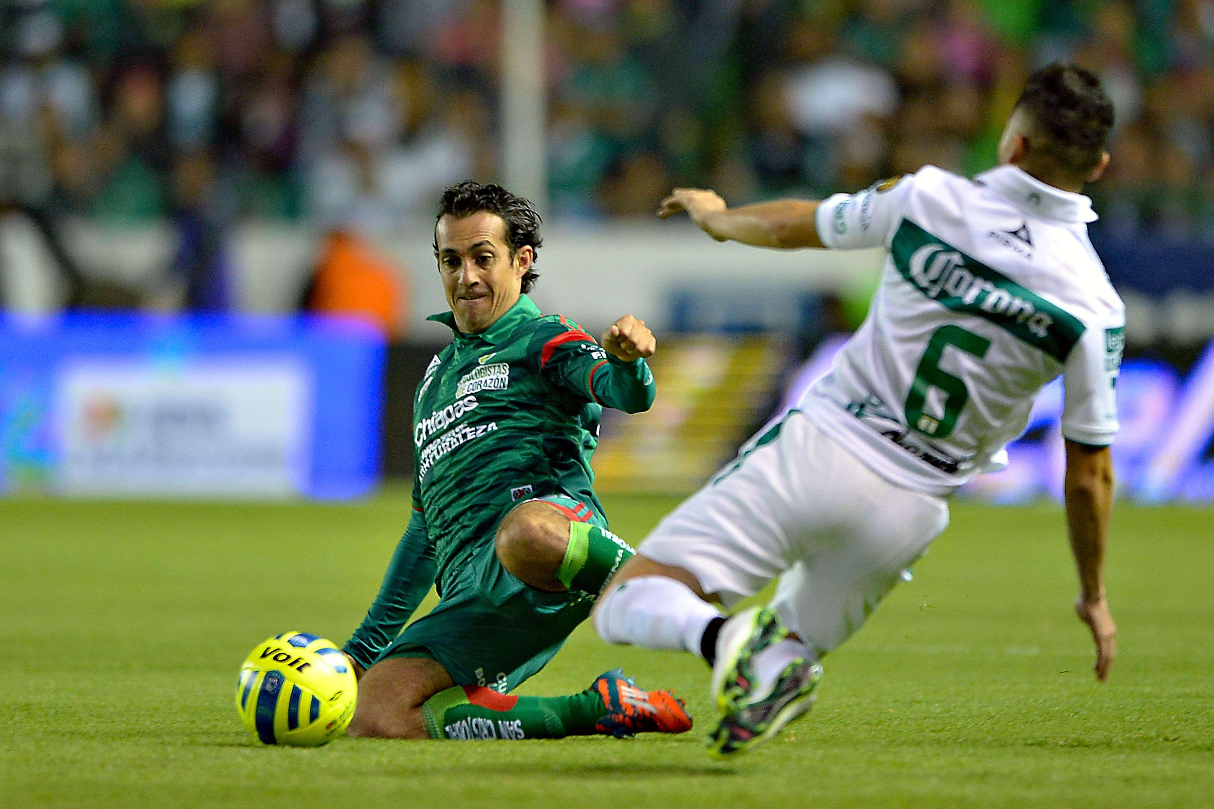 """León y Jaguares de Chiapas igualaron 1-1 en el Nou Camp en juego de la Jornada 4 de la Liga MX. Mauro Boselli adelantó a los Panzas Verdes"""" con un penalti, pero Avilés Hurtado puso cifras definitivas en el marcador. Foto: Mexsport"""