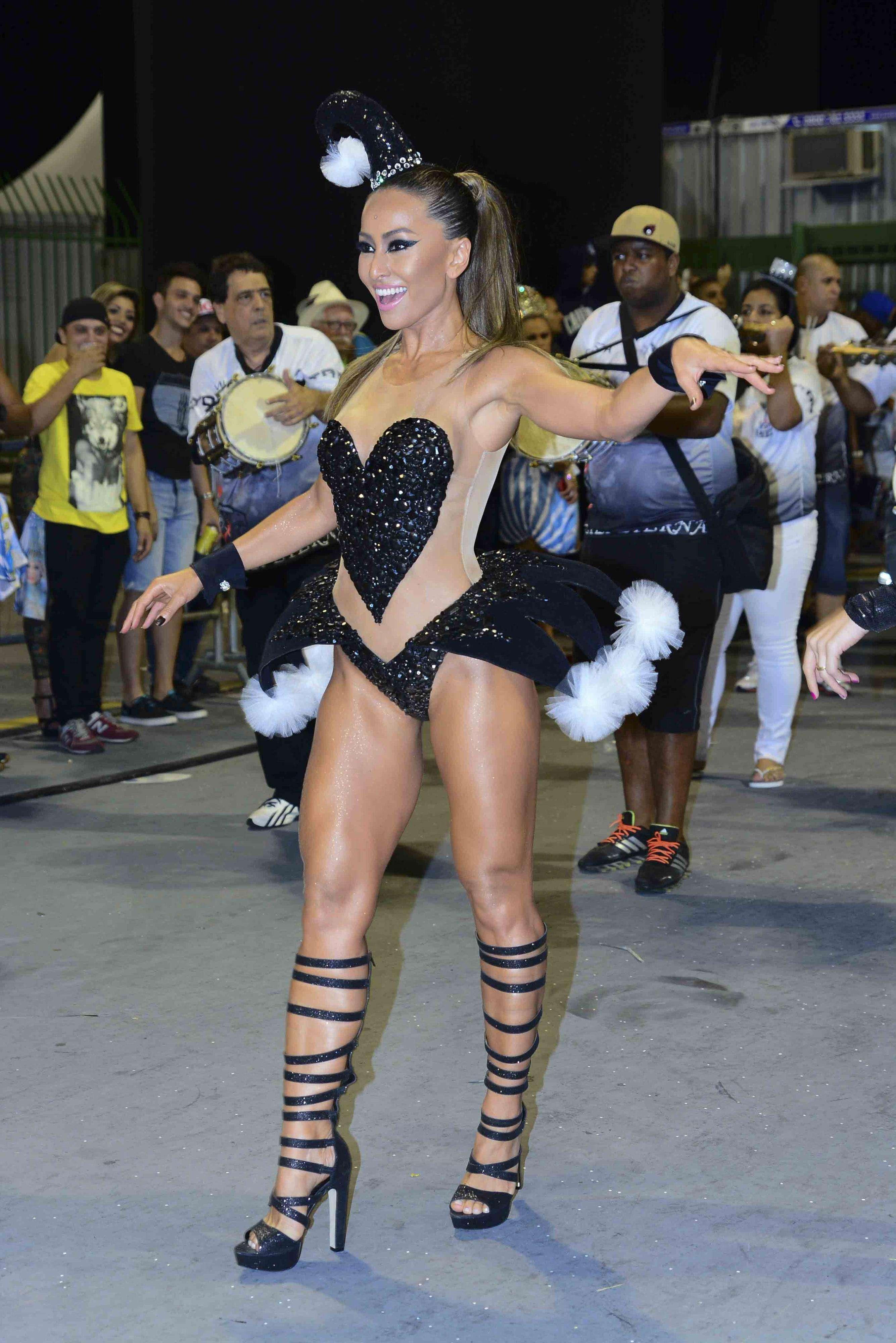 Sabrina Sato é Madrinha de Bateria da Gaviões Foto: Leo Franco/AgNews