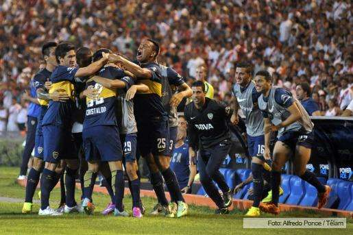 Con goles de Cristaldo, Palacios y Chávez, el equipo de Arruabarrena golea 3 a 0 al de Gallardo en Mendoza por la Copa Luis Nofal. Se fue expulsado Mayada en el Millonario. Foto: AFP/NA