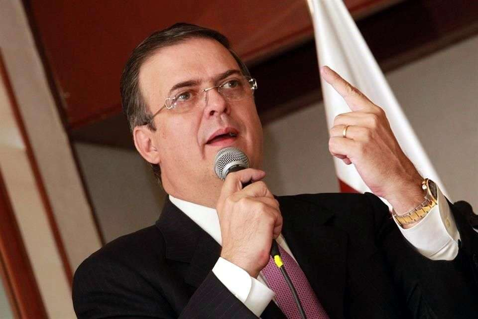 Marcelo Ebrard asegura que próximo informe oficial que dará a conocer tiene la autoría de Aurelio Nuño, jefe de la oficina de la Presidencia de la República. Foto: Reforma