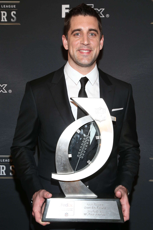 Por segunda ocasión en su carrera profesional, Aaron Rodgers es elegido el MVP del año Foto: AP