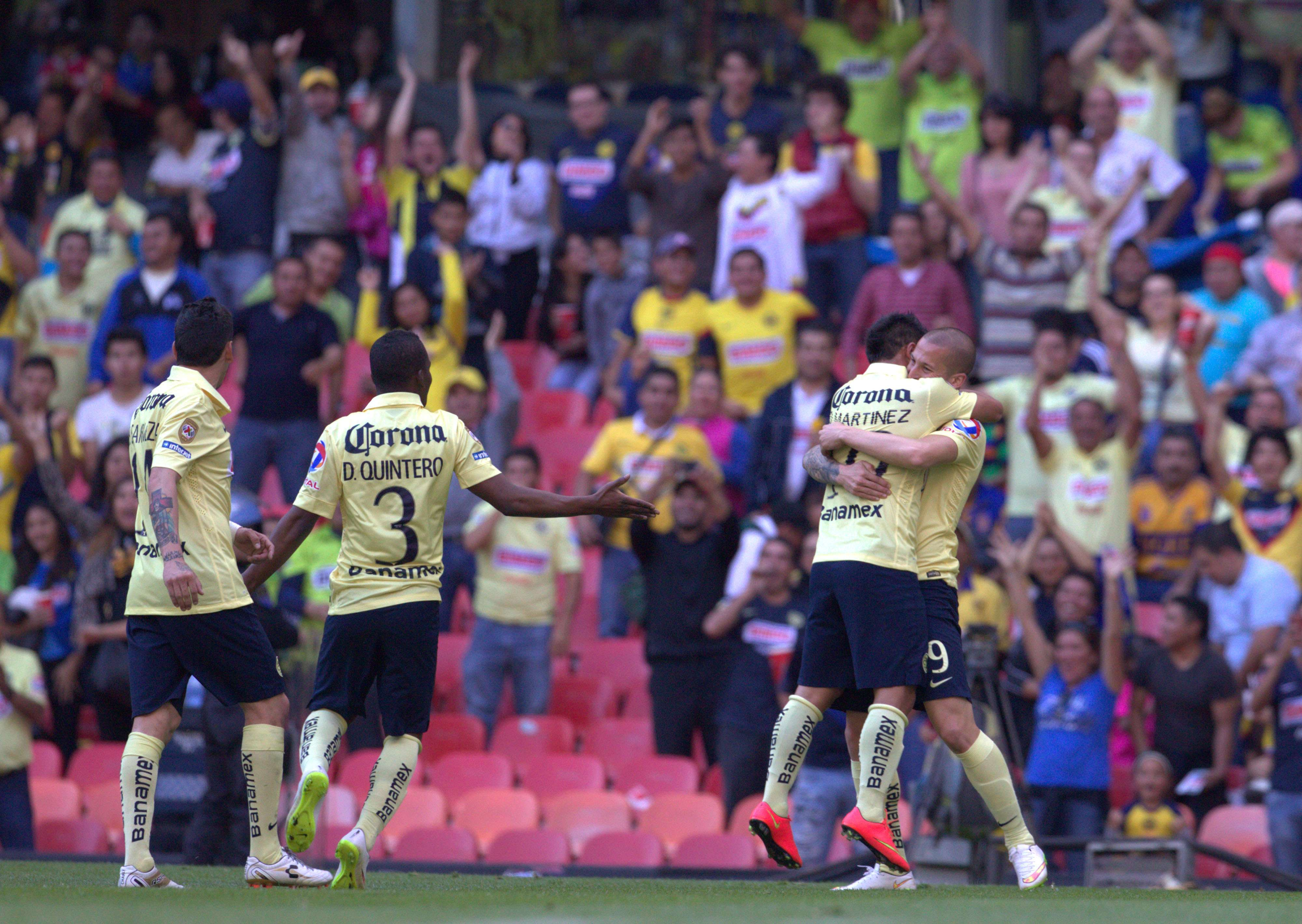 El festejo de Darío Benedetto por su gol para el triunfo de América. Foto: Mexsport