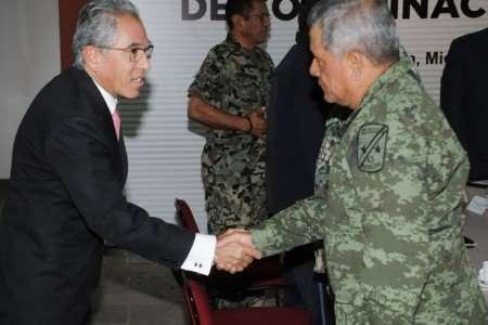Jara elogió la labor de Alfredo Castillo en Michoacán Foto: Quadratín