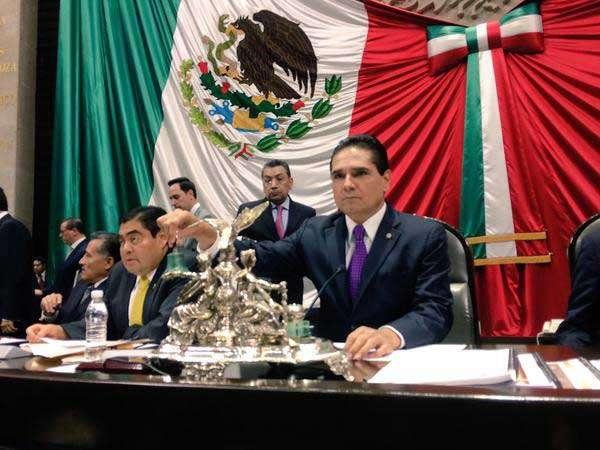 Tras el acto, se convocó a sesión ordinaria en ambas Cámaras para el próximo martes 3 de febrero a las 11:00 horas. Foto: Twitter/@Silvano_A