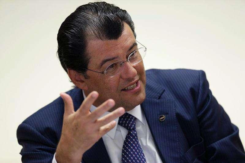 Ministro de Minas e Energia, Eduardo Braga, em entrevista com à Reuters. 21/1/2015 Foto: Ueslei Marcelino/Reuters