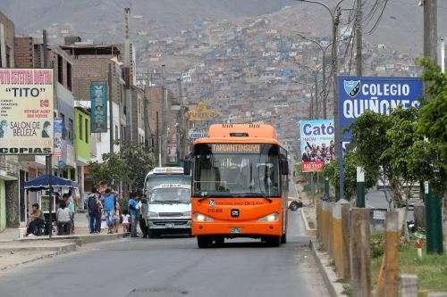 Bus alimentador del Metropolitano Foto: Andina
