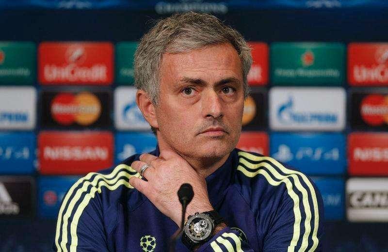 O técnico do Chelsea, José Mourinho, concede entrevista coletiva em Paris, na França. 16/02/2015 Foto: Christian Hartmann/Reuters