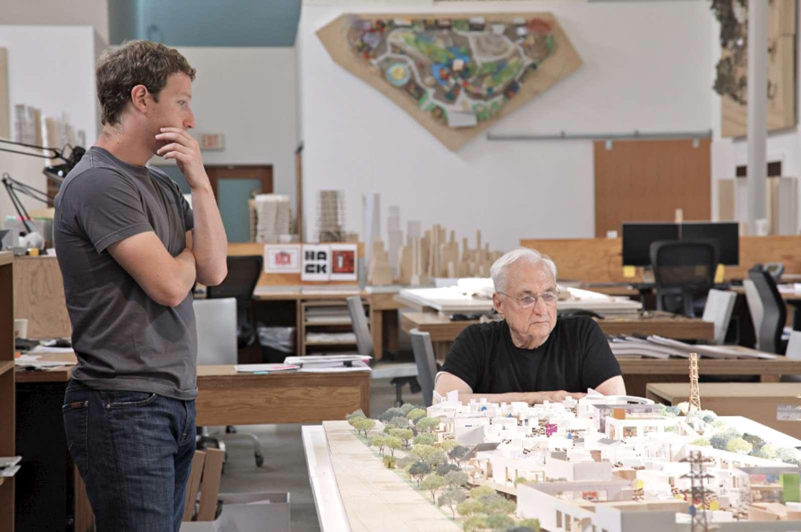 Mark Zuckerberg y Frank Gerhy Foto: AFP en español