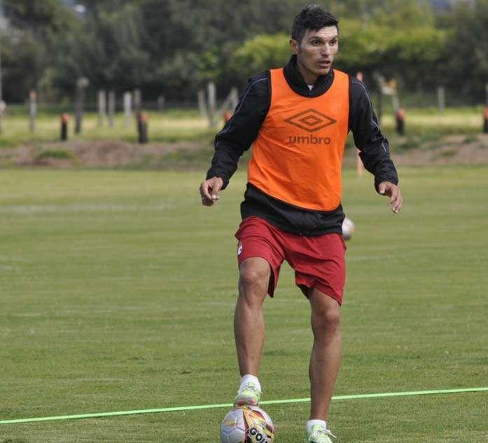 Daniel Torres, volante de marca Independiente Santa Fe. Foto: Independiente Santa Fe - Página Oficial