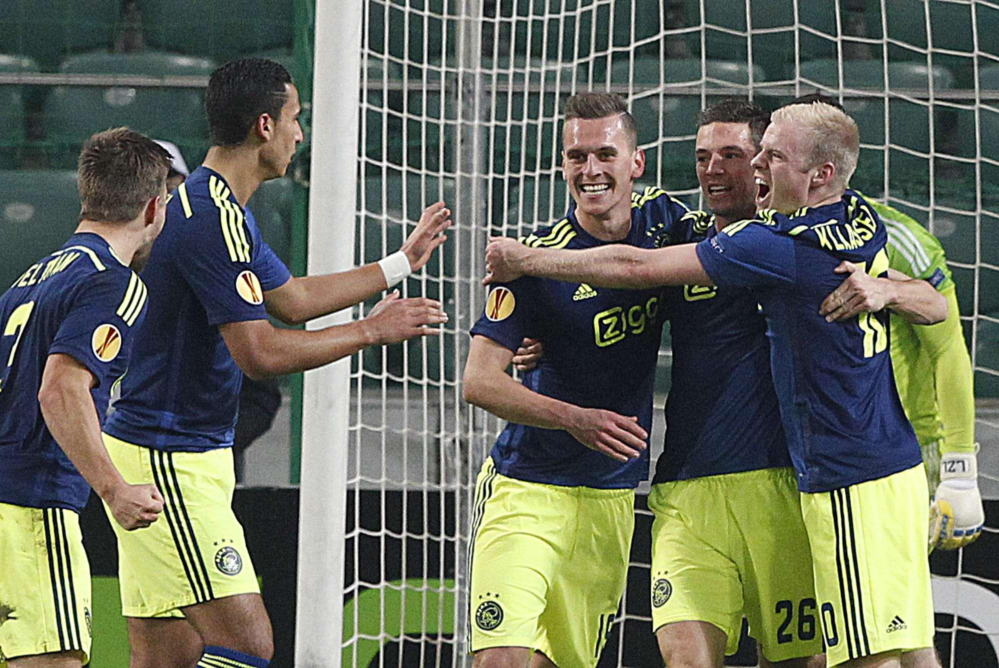 Ajax golea 3-0 al Legia y avanza a la siguiente ronda. Foto: AP