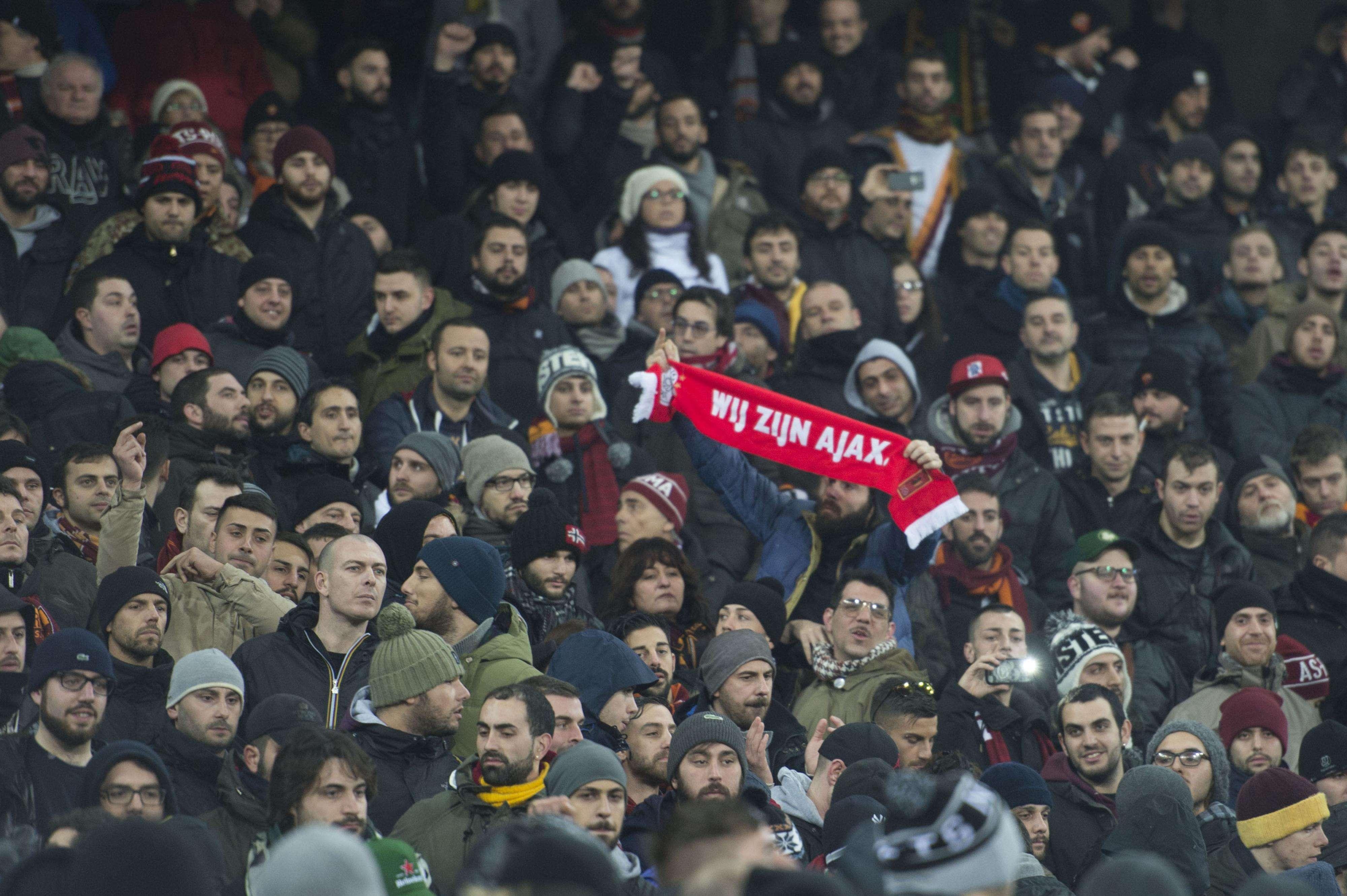 Roma pudo vencer 2-1 a Feyenoord para avanzar a los octavos de final de la Europa League. Foto: AP