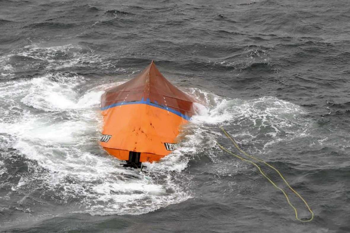 Prefectura Naval continúa con la búsqueda de 5 tripulantes del buque pesquero San Jorge I. Foto: Noticias Argentinas
