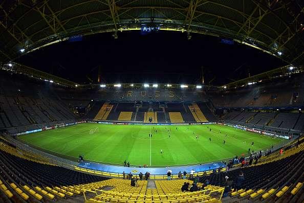 El hallazgo de una bomba ha obligado a desalojar el estadio del Borussia. Foto: Getty Images