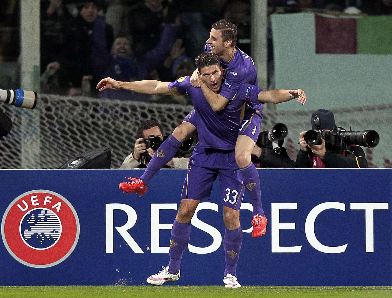 Fiorentina pudo en casa confirmar su pase a la siguiente fase de la Europa League. Foto: Getty Images